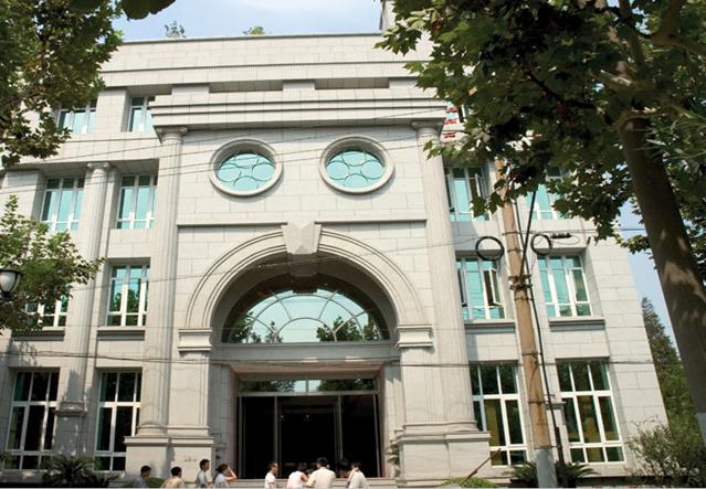 办公室卷帘依然美丽实用,选择上海豪异办公室电动卷帘厂家值得信赖